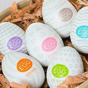 Masturbate un huevo con Huevos Tenga