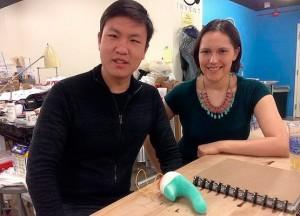 Los creadores del Smartbod con un prototipo